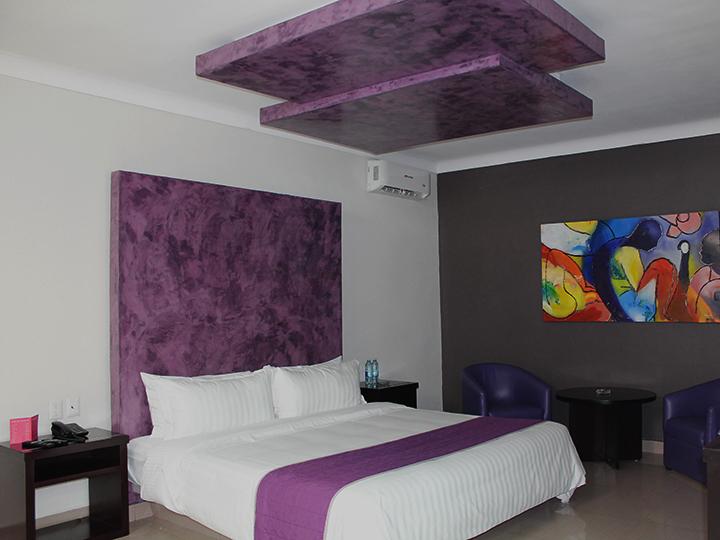Rdq motel for Motel con piscina privada